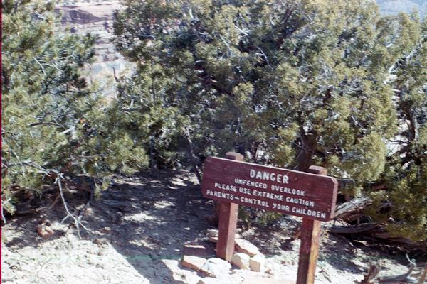 Canyonlands-85-1-070