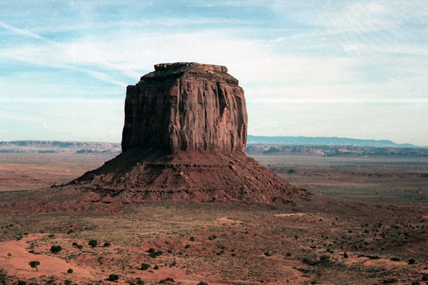 Monument-to-Powell-1989-006