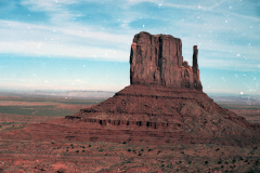 Monument-to-Powell-1989-004