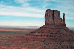 Monument-to-Powell-1989-008
